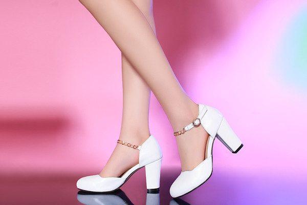 kısa topuklu ayakkabılar